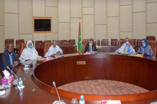 وزير المالية يترأس اجتماع اللجنة الوطنية لمتابعة تنفيذ صندوق التضامن الاجتماعي لمكافحة كورونا