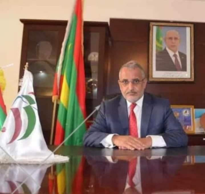 رئيس المنطقة الحرة بنواذيبو يتدخل لحل أزمة الحمالة