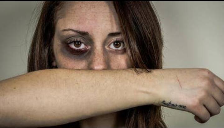 النساء ضحايا العنف في موريتانيا يشتكين من ضعف الحماية القانونية
