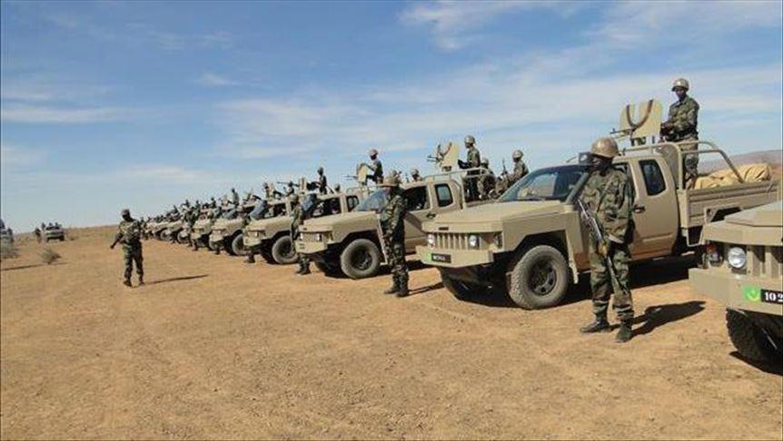 القيادة العامة للجيوش تطلق مناورة عسكرية على الشاطئ البحري