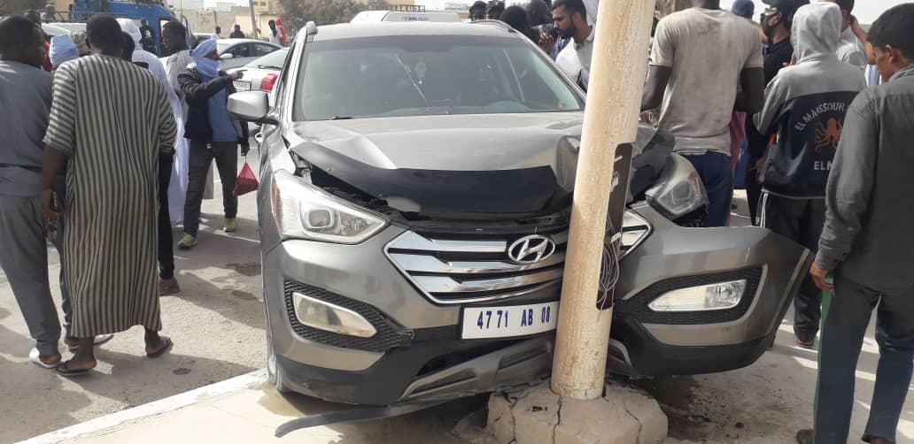حادث سير في مدينة نواذيبو وإصابة ثلاثة أشخاص من بينهم واحدة خطيرة