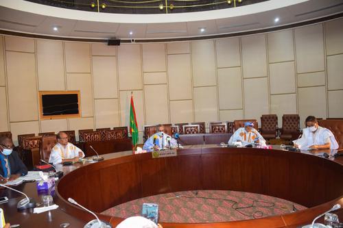 اجتماع لجنة متابعة تنفيذ صندوق كورونا