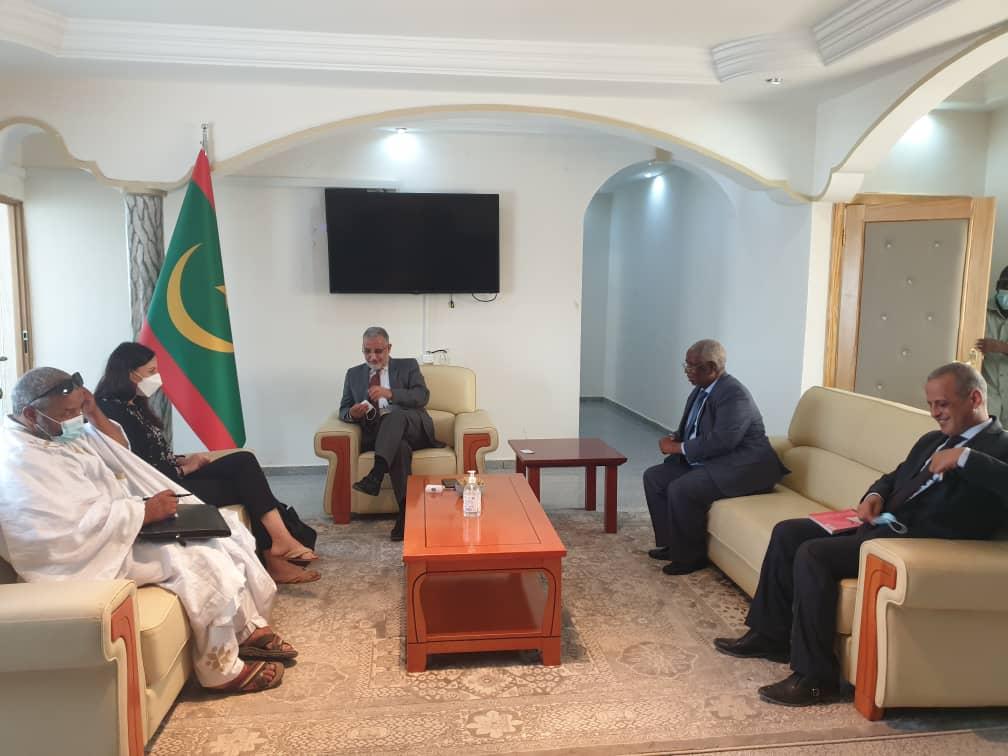 رئيس سلطة منطقة نواذيبو الحرة يستقبل ممثلة المفوضية السامية للأمم المتحدة وشؤون اللاجئين